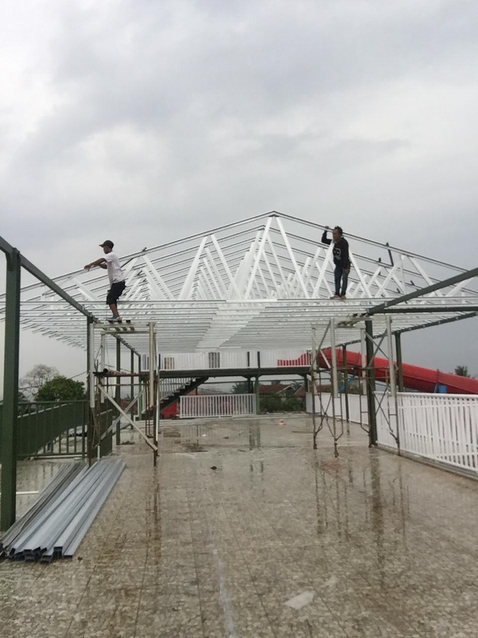 Mái nhà bằng thép nhẹ Praboe Teknik